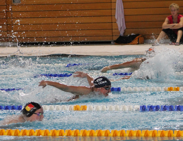 Louise Fiskali Gammelmark - 100 m butterfly ved LMO 2012