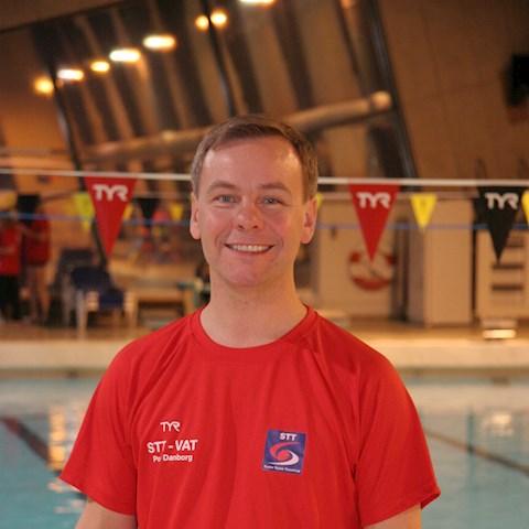 Poul Danborg søger                                               trænerassistent