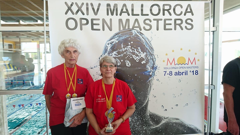 Elsemarie Hjortkjær                                               og Berit Marx Pedersen til                                               Mallorca Open Masters                                               2018
